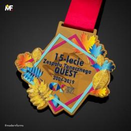 Medal na 15-lecie Zespołu Tanecznego QUEST
